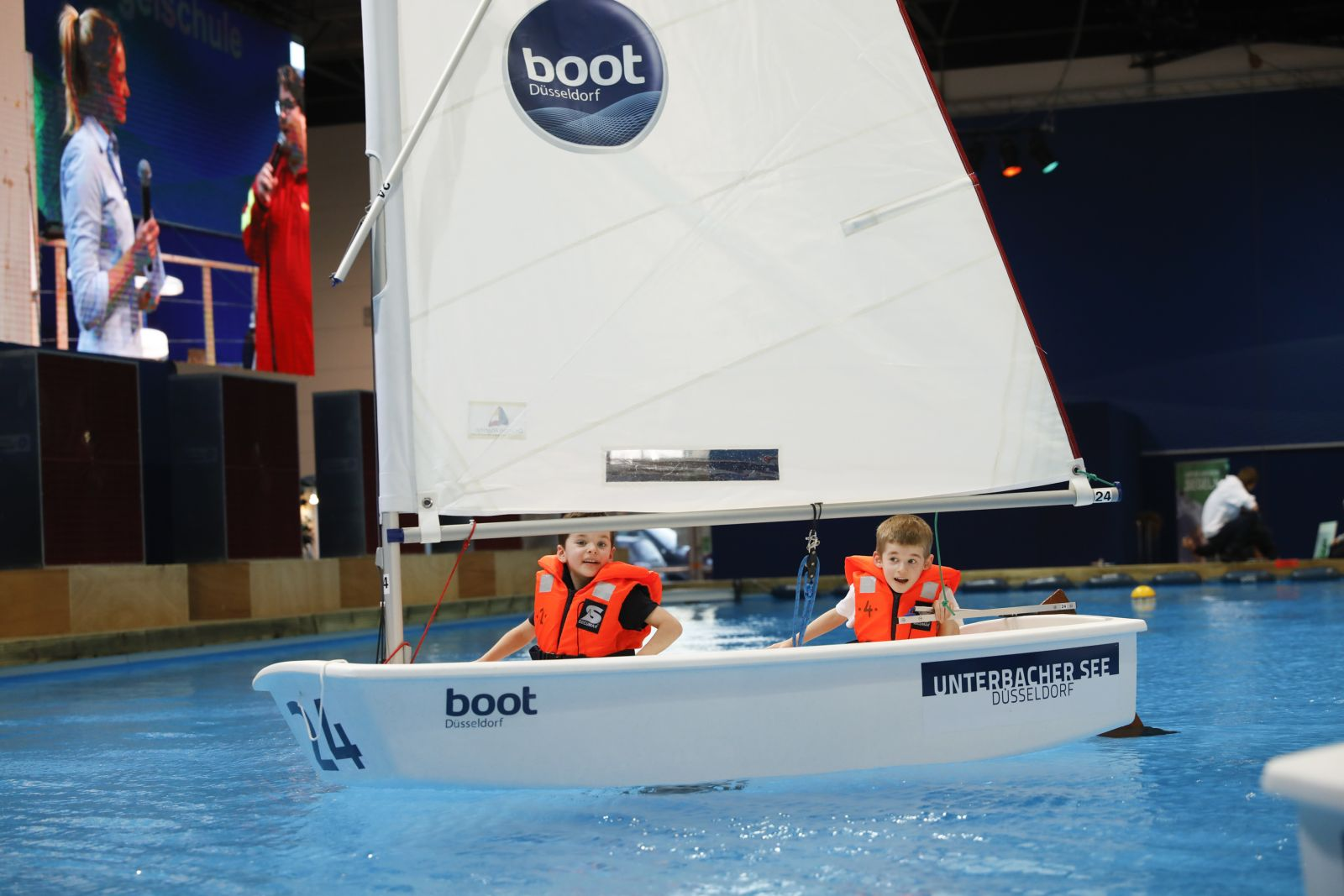 Auch für die Praxis des Segelns ist genug Platz auf der boot.