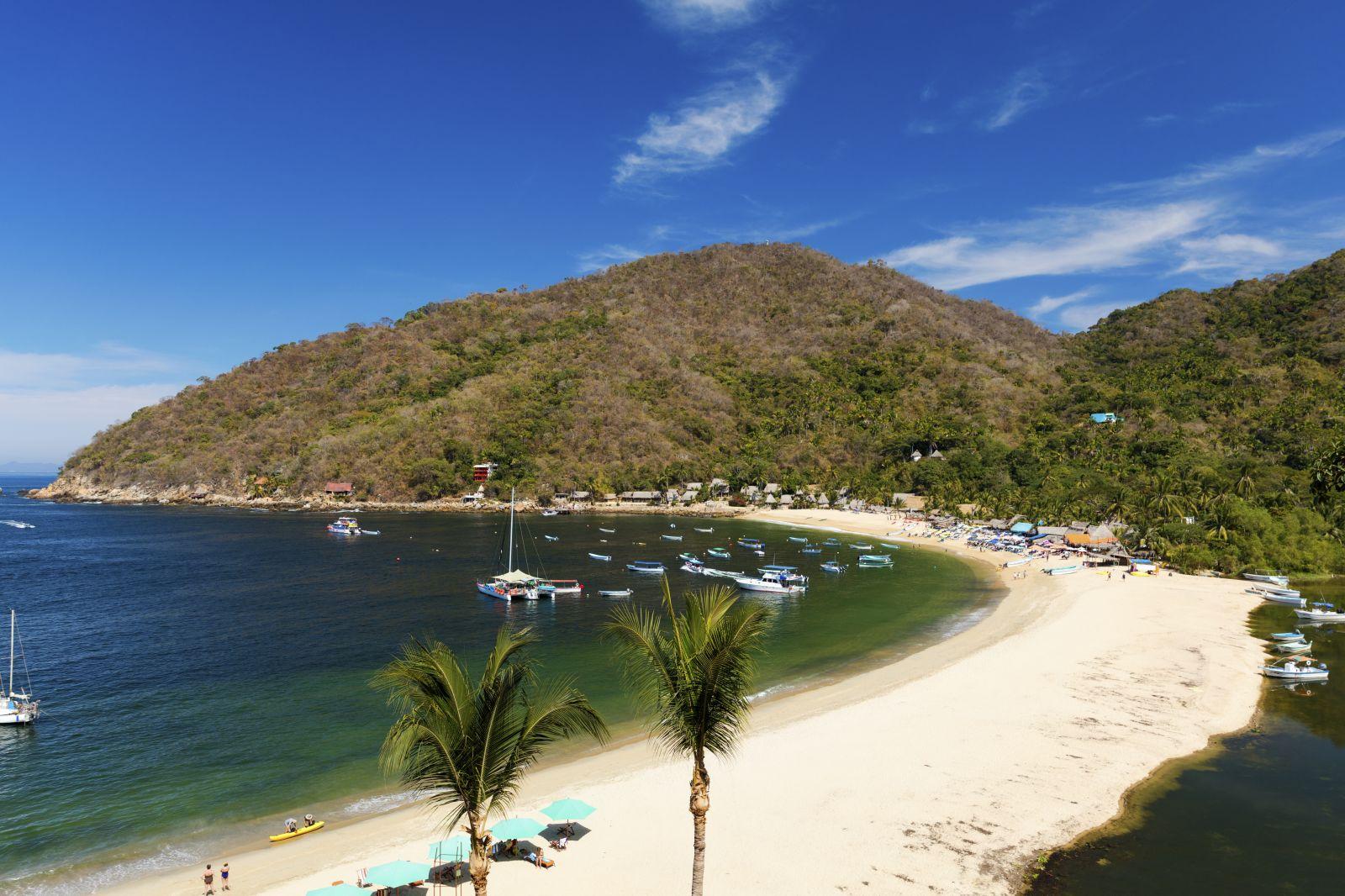 Auch in der Bucht von Banderas gibt es viele Sandstrände, wie hier in Yelapa. ©Zstock/AdobeStock