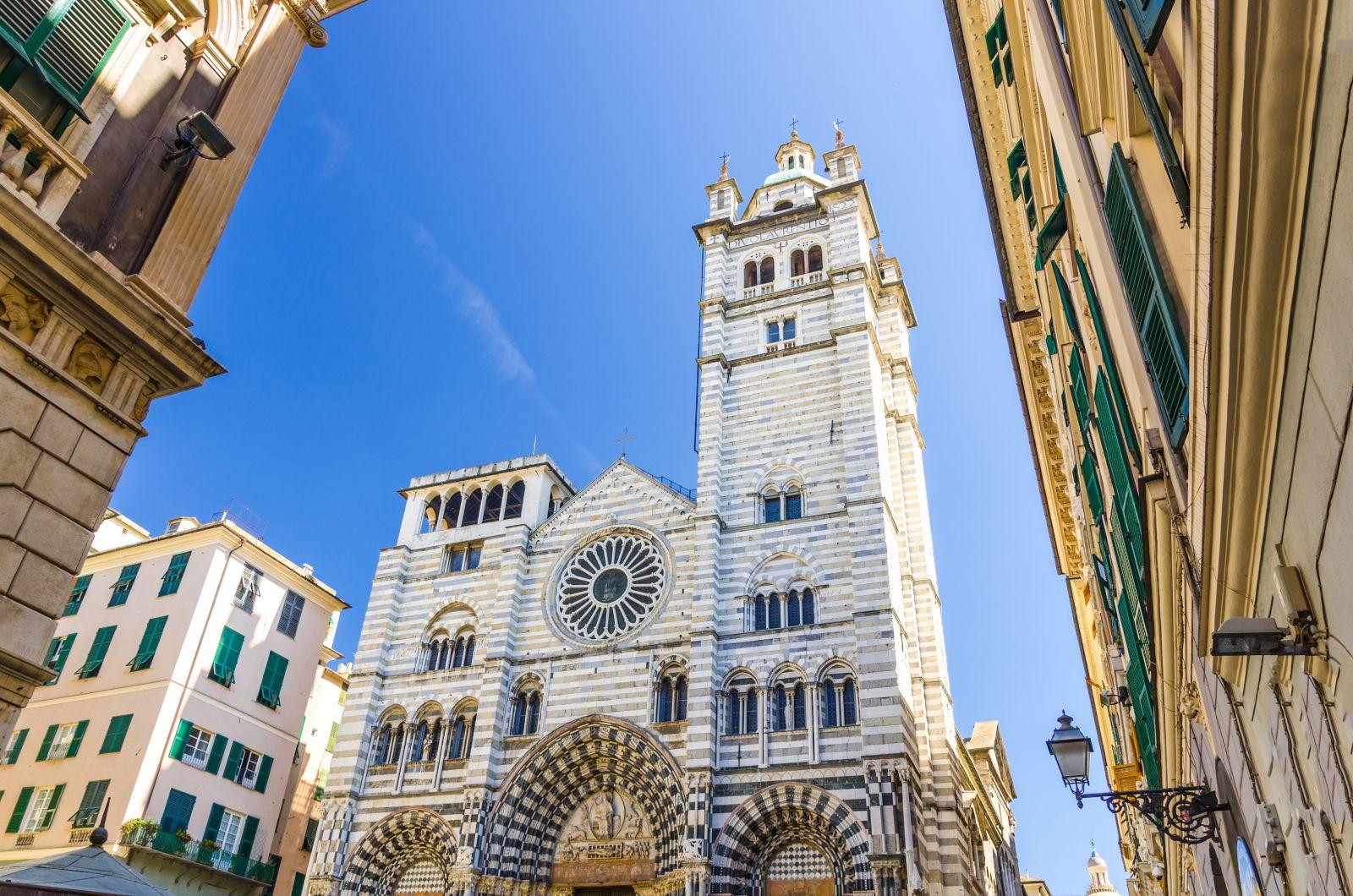 In Genua stehen noch viele Palazzi, Kirchen und Kathedralen. Auf Touren erfährt man die Geschichten dahinter. ©Aliaksandr/AdobeStock