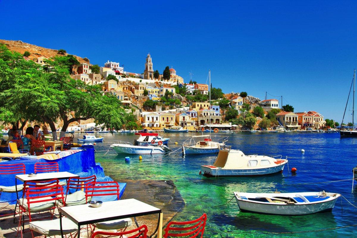 Greek holidays. Symi island © Freesurf Fotolia.com