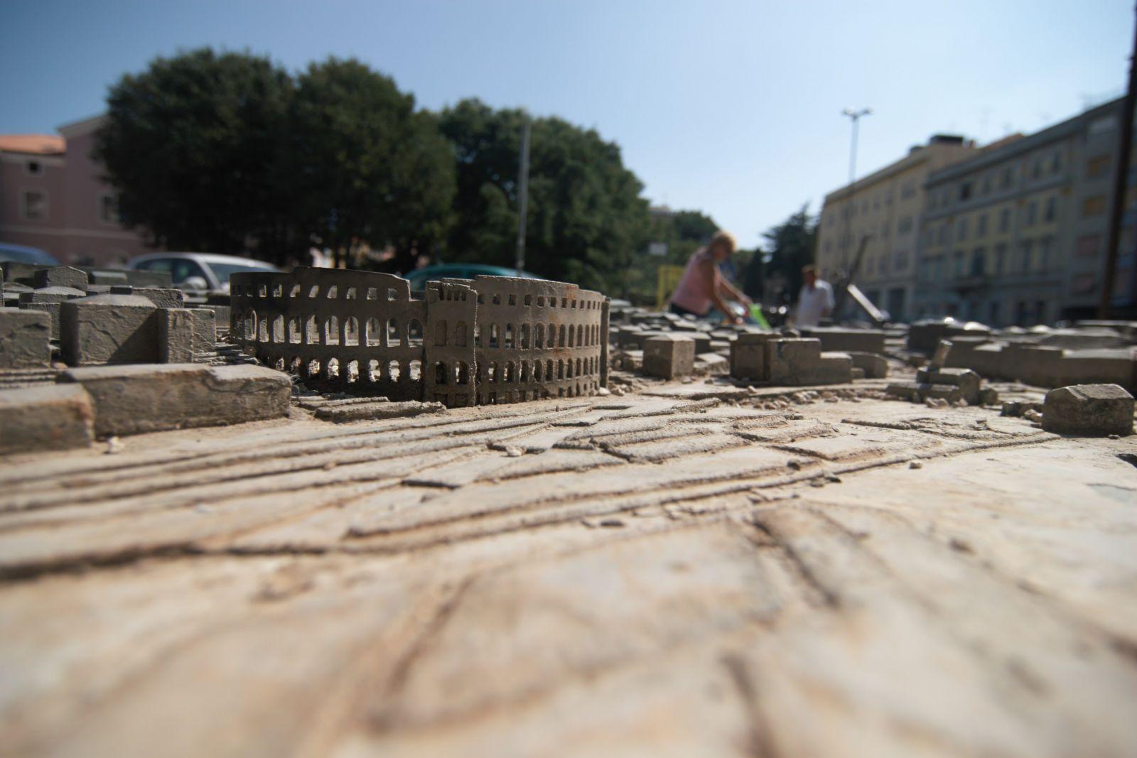 In Pula gibt es ein großes Angebot an Yachten und bereits viele historische Sehenswürdigkeiten, wie das Amphitheater ... ©Sandra Troskot