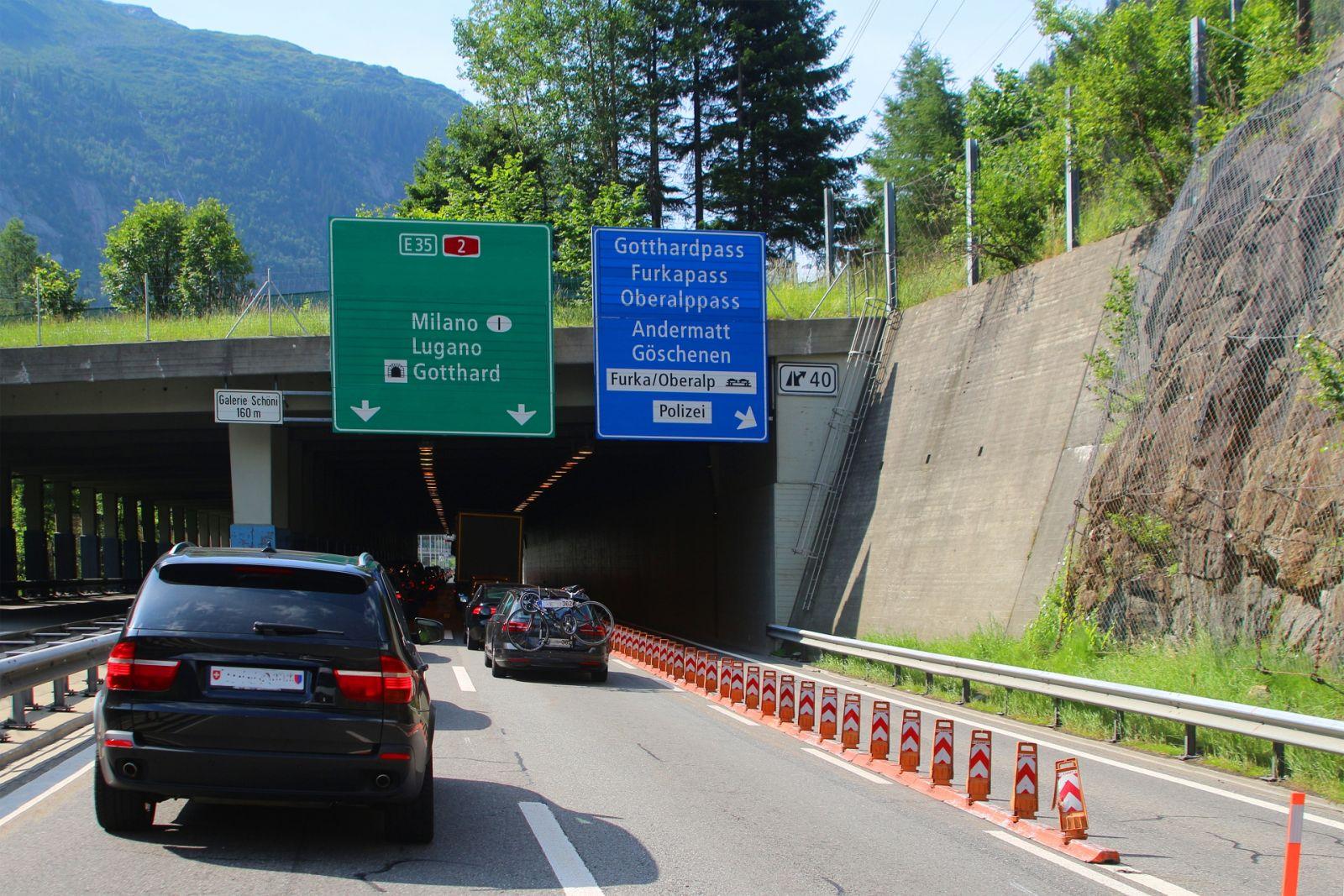 Durch den Sankt-Gotthard-Tunnel, Schweiz. ©Ines Porada/AdobeStock