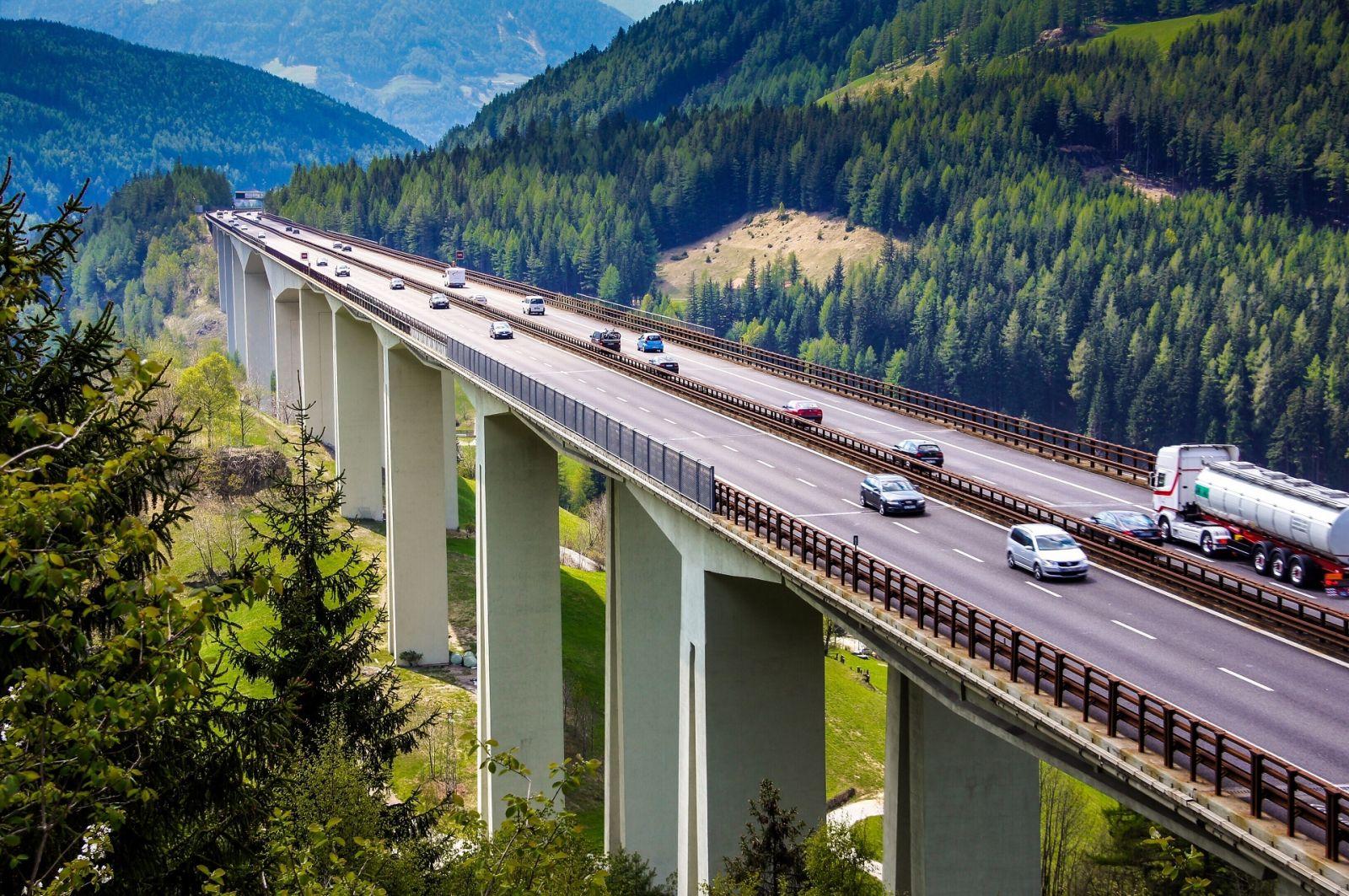 Durch Österreich über die Brennerautobahn. ©Andy-Ilmberger/AdobeStock