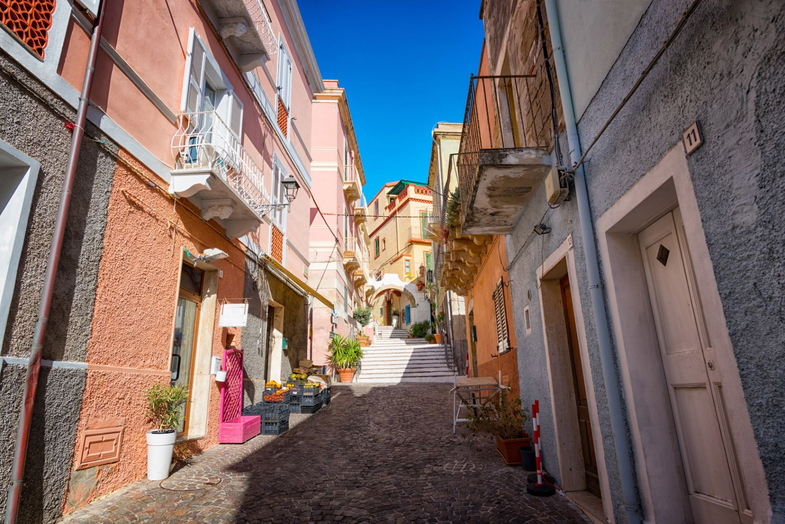 Die Carlofortini haben ihre Stadt farbenfroh gestaltet. ©Stefano Garau/Fotolia