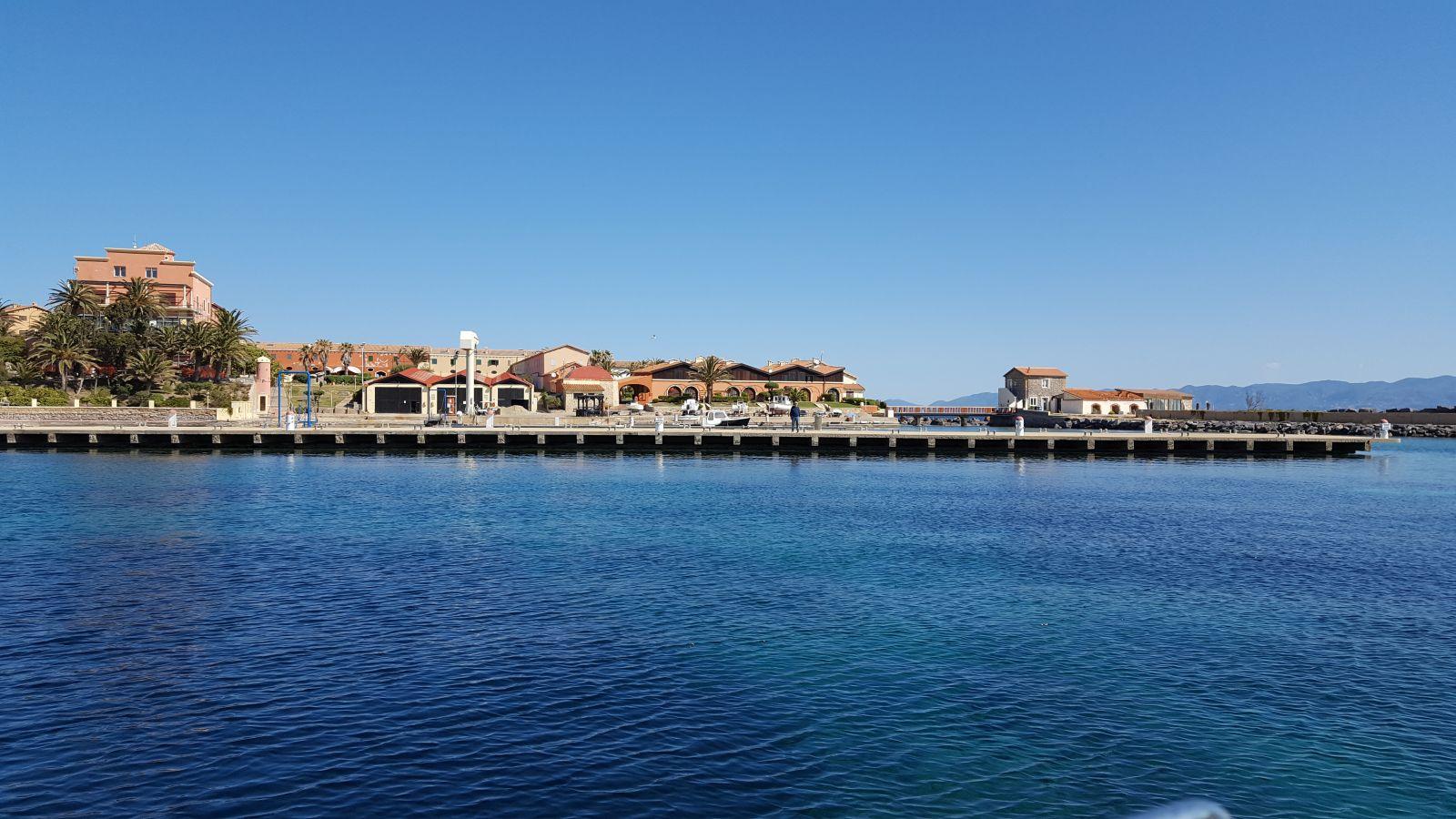 Isola Piana, eine kleine Insel nördlich von San Pietro. ©1aYachtcharter GmbH
