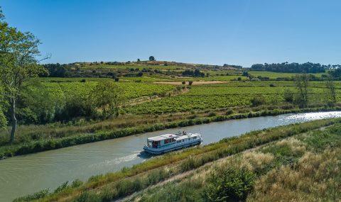 Mit dem Hausboot auf Europas Binnengewässern