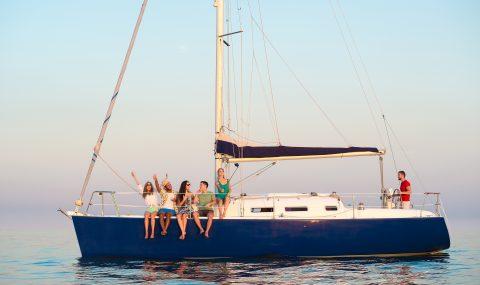 Segelreise ohne Segelschein – Yachtcharter mit Skipper
